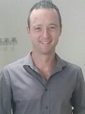 Dr Ronnie Cloete - Chiropractor Milnerton - Dr Ronnie Coete