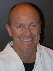 Dr Scott Taskey - Dental Clinic in Canada