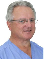 Lynwood Dental and Implant Centre - Dr Barry Grundy