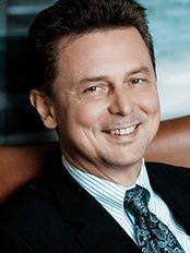 Dr. med. Roman Fenkl - Plastic Surgery Clinic in Germany