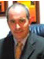 Dr. Ricardo Bonilla B. - Plastic Surgery Clinic in Colombia