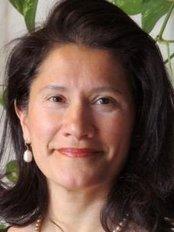 Dr. Ana Maria Suarez - Clinical Mevital - Obstetrics & Gynaecology Clinic in Spain