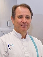 English Dentist from South Africa - Dr Alan Kruger