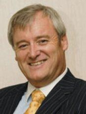 Fairoak Orthodontics - Dr Allan Gwyn Jones