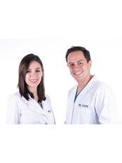 BEHCARE Smile Club - Dra. Melissa Cardenas (Especialista en Prótesis) y Dr. Carlos Acosta (Cirujano Oral y Maxilofacial)