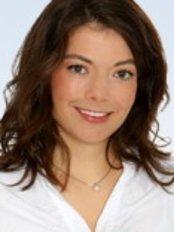Kieferorthopädische Fachpraxis - Dr. med. Anne Spieckermann - Dental Clinic in Germany