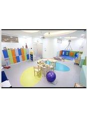 California Behavioral Center - California Behavioral Center Group therapy room