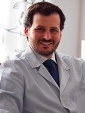 Dr. Ignacio Solís Cirugía Maxilofacial - Hospital 9 de Octubre - Dental Clinic in Spain