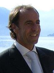 Dott. Riccardo Lucchesi - Studio Roma - Plastic Surgery Clinic in Italy