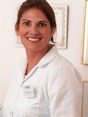 Andie McLeans Clinics - Ms Andie McLean