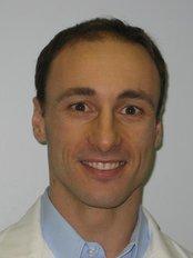 Center for Advanced Dentistry - Dr Veselin Shumantov