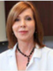 Hedieh Arbabzadeh - Stefanacci, M.D. - Plastic Surgery Clinic in US