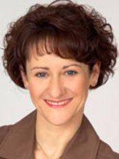 Dr med Andrea Rejzek - Plastic Surgery Clinic in Austria