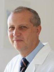 Ustav  Esteticke Mediciny - Praha Emauzy - Plastic Surgery Clinic in Czech Republic