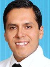 Dr. Ronny Azabache Cirujano Plastico - Plastic Surgery Clinic in Peru