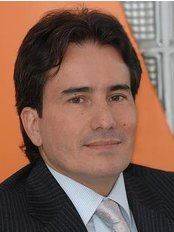 Dr. Ovidio Alarcon Almeyda - Plastic Surgery Clinic in Colombia