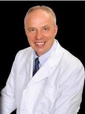 Profesors Konstantins Kalnbērzs - Plastic Surgery Clinic in Latvia