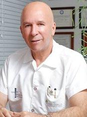 Cirujanos Plasticos Dario Cabello - Plastic Surgery Clinic in Colombia