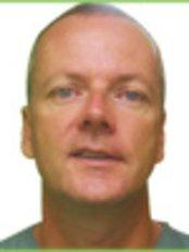 Greenwoods Dental Centre Lundar - Dr Martin Potter