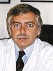 Dr. Alejandro Silvestre - Av Santa Fe - Plastic Surgery Clinic in Argentina