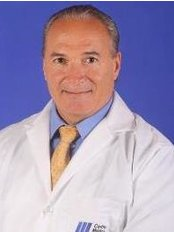 Dr. Alfonso Riascos - Cirujano Plástico - Plastic Surgery Clinic in Colombia