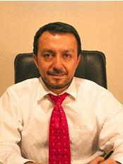 Dr. Edgar Samaniego Cisnero - Santiago de Chile - Plastic Surgery Clinic in Argentina