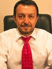Dr. Edgar Samaniego Cisnero - Buenos Aires - Plastic Surgery Clinic in Argentina