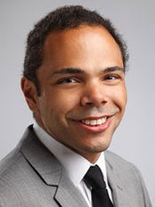 Dr. Ian Sunderland - Plastic Surgery Clinic in Canada