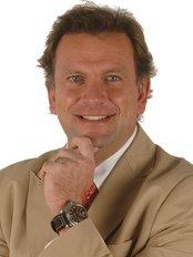 Dr. Alejandro James - Dental Clinic in Mexico