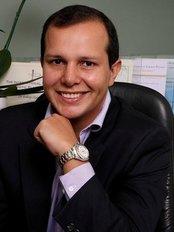 Dr. Rodrigo Mangaravite - Barra da Tijuca - Plastic Surgery Clinic in Brazil