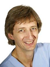 Zahnarztpraxis Dr. med. dent. Frank Th. Sahm - Dental Clinic in Germany
