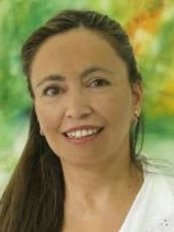 Dra. Alejandra Arroyo Shields - Dental Clinic in Chile