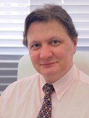 Dr. Theodore Droubi - Cirurgia Plástica - Plastic Surgery Clinic in Brazil