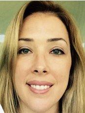 Dra Rafaela Pentagna - Dental Clinic in Brazil