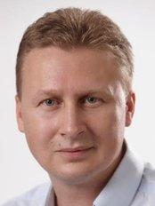 Dr. Kádár Zsolt - Plastic Surgery Clinic in Hungary