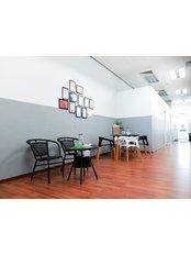 BenPhysio KD - spacious waiting area