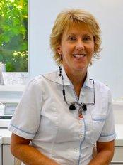 Cheltenham Endodontic Practice - Dr Jane Hendly