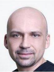 DermaMed Instytut - Żeromskiego - Paul Surowia