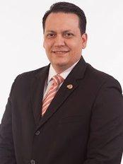 Dr. José Luis Martinez - Plastic Surgery Clinic in Venezuela