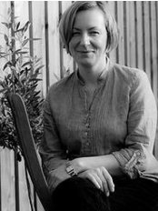 Holistic Therapy Ealing - Kate is a licenced Acupuncturist and Massage Therapis in Ealing