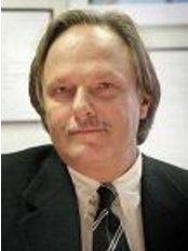 Medicosmo Klineik -  Prof C. Gasperoni