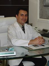 Dr. Edwar Castañeda - Plastic Surgery Clinic in Brazil