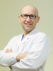 Dr. Thomas Savoia - Plastic Surgery Clinic in Italy