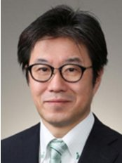 Dr Kure Katsuhiro Robert - Plastic Surgery Clinic in Japan