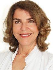 Dra Amparo Sevila - Dermatology Clinic in Spain