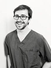 Clínica Dental Luciano Badanelli - Dental Clinic in Spain