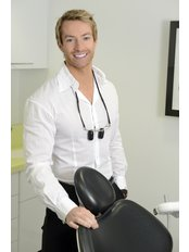 Dr Stephen Dodd - Dental Clinic in the UK