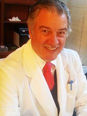 Santiago Umaña - Plastic Surgery Clinic in Colombia