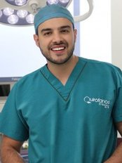 Dr. Carlos Betancur - Plastic Surgery Clinic in Colombia
