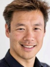 Dr Adrian Lee - Plastic Surgery Clinic in Canada